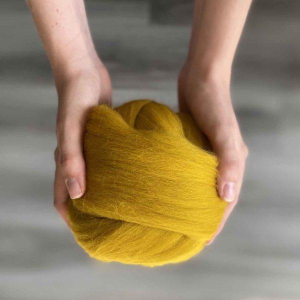 Tučná merino vlna v horčicovej farbe