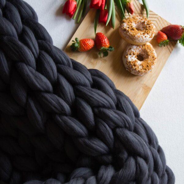Hebučký ručne pletený vlnený pléd